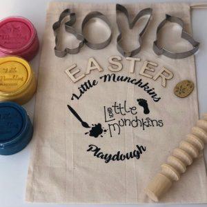 little munchkins playdough easter busy bag
